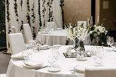 Mesa de boda indicando cual es la mesa de los invitados
